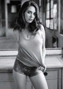 Alison Brie sexy (9)