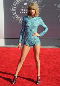 Taylor Swift sexy (7)