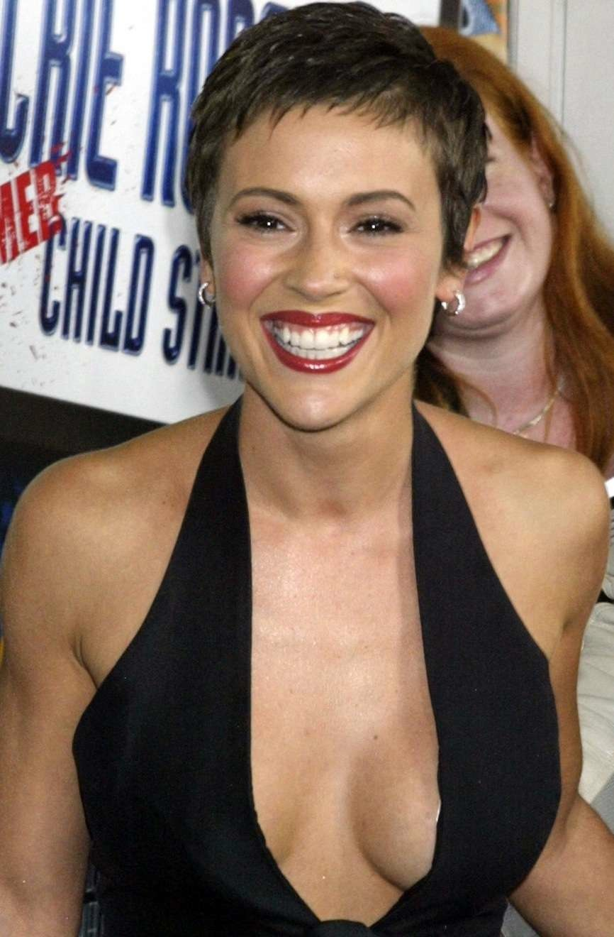 Alyssa Milano Leaked Photos alyssa milano cleavage (15 photos)xxx the fappening | xxx