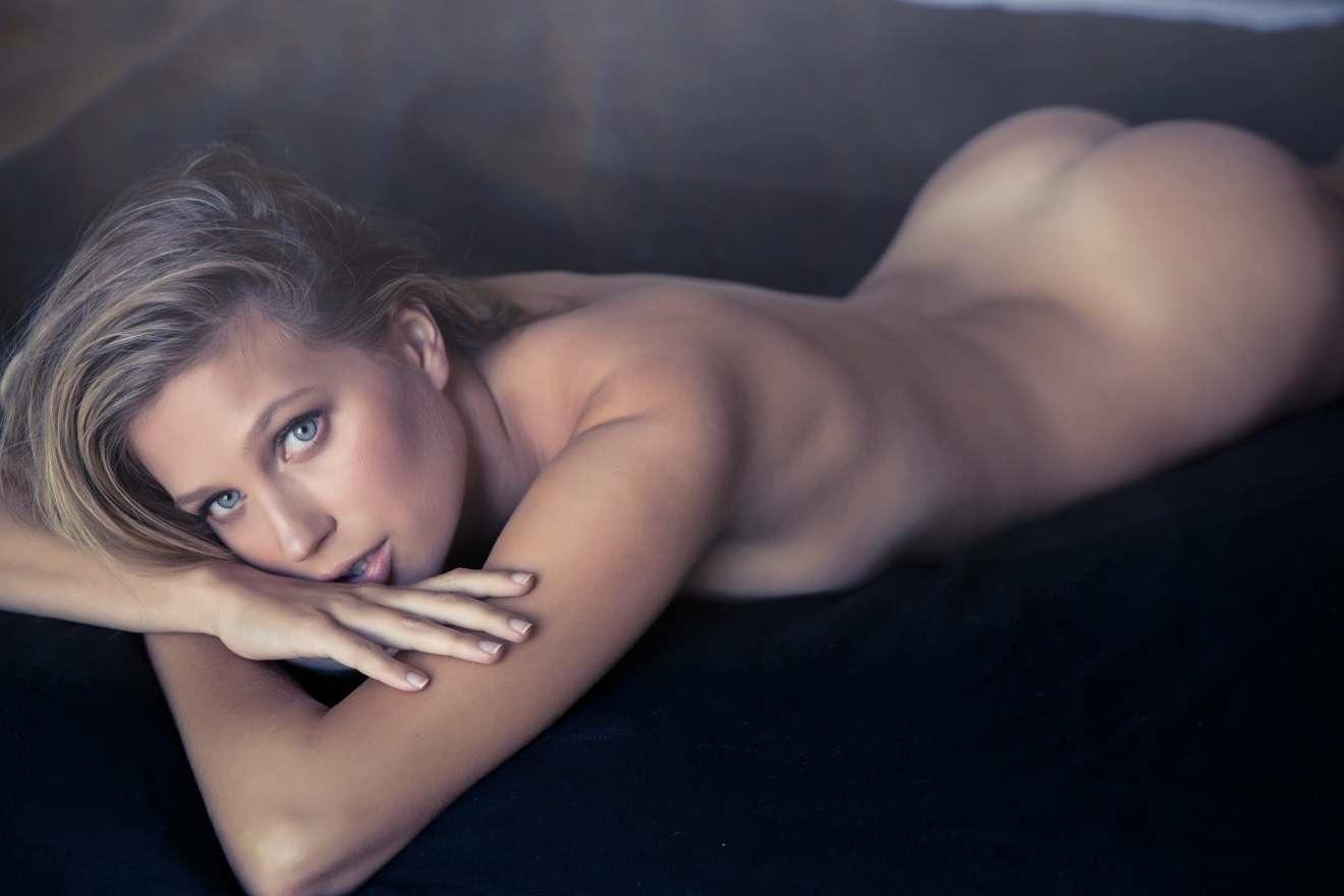 Michelle Watkins  nackt