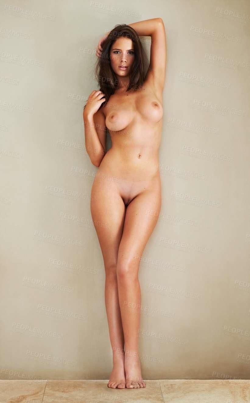 Simone nude