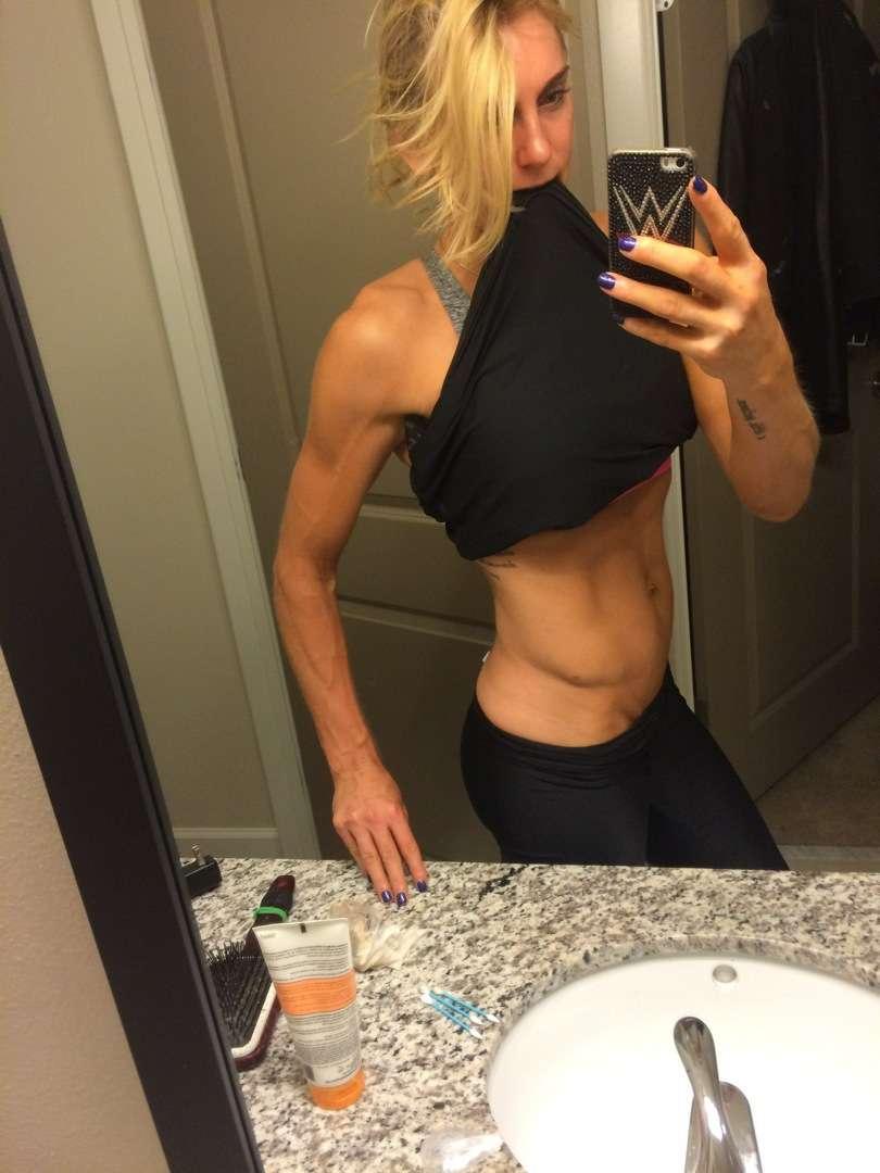 Charlotte Flair selfie xxxthefappening.com