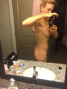 Charlotte Flair tits xxxthefappening.com
