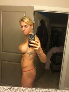 Charlotte Flair topless xxxthefappening.com