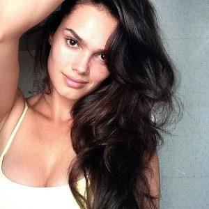 Lisalla Montenegro selfie 2