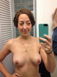 Sarah Schneider nude selfie 2