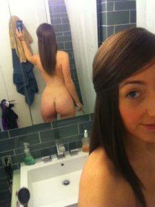 Sarah Schneider selfie 2