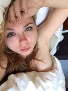 Amanda Fuller selfie leaked